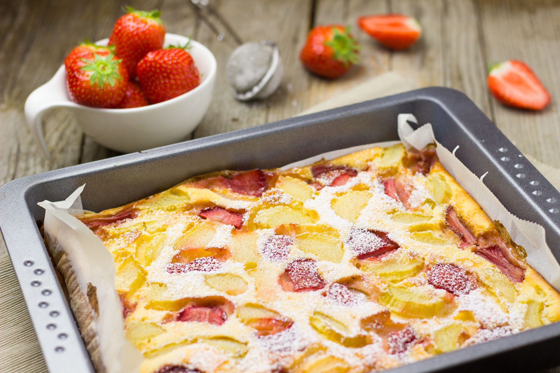 Vegan Banana Strawberry Blondie With Coconut Drizzle Recipe