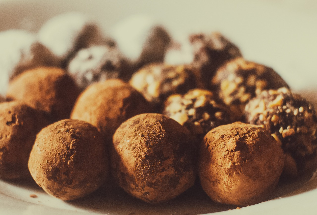 Vegan Chocolate Cookie Dough Truffle Recipe