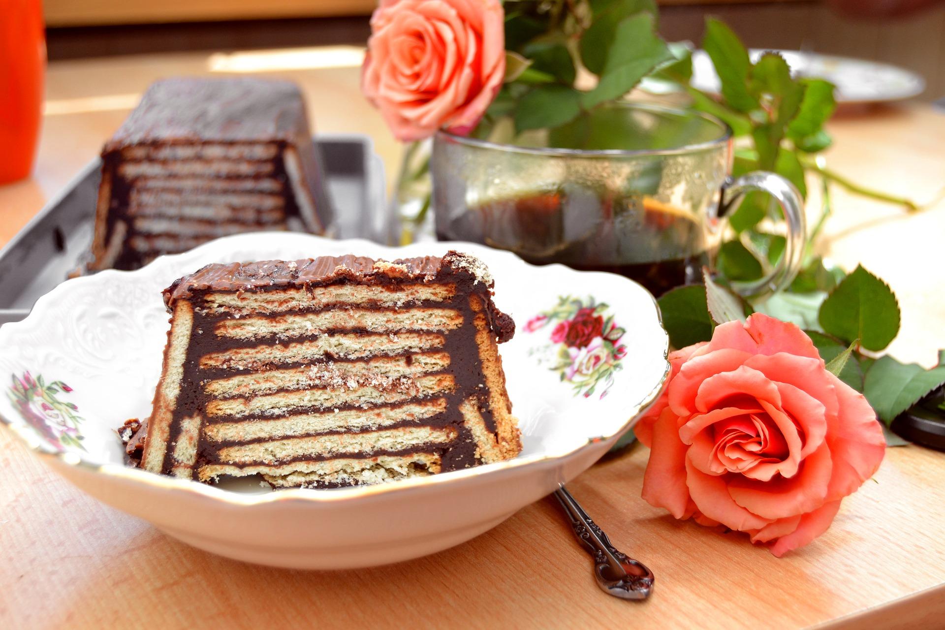 Vegan Chocolate Fudge Biscuit Cake Recipe